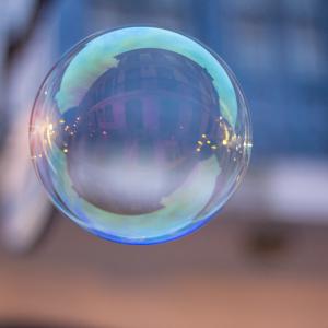 bulle internet, bulle immobiliere, bulle boursiere, bulle techno, ... bulle d'air